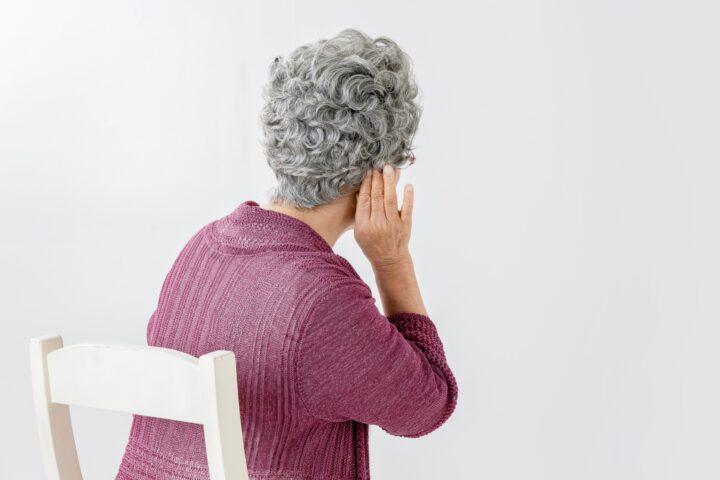 【薬剤師監修】認知症のきっかけになりうる高齢者の難聴とその対策について解説